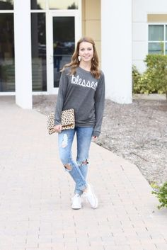 Casual Weekend Outfit | spring style | spring fashion | fashion for spring and summer | warm weather fashion | style tips for spring | fashion tips for spring || Absolutely Annie