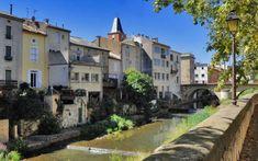 Hérault : Saint-Chinian, le village où il fait bon vieillir - Le Parisien Saint Chinian, Le Village, Bons Plans, France Travel, Retirement, Mansions, Places, Voyage, Getting Old