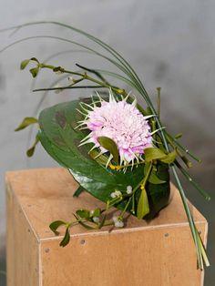 Unknown designer. unusual wedding bouquet #unique #wedding #bouquet