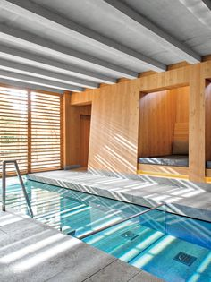 Indoor Swimming Pool Ideas - You want to build a Indoor swimming pool? Here are some Indoor Swimming Pool designs and ideas for you. Lap Swimming, Small Swimming Pools, Luxury Swimming Pools, Swimming Pool Designs, Swimming Pool Architecture, Lap Pools, Small Pools, Infinity Pools, Small Indoor Pool