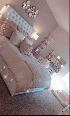 38 cozy home decorating ideas for girls bedrooms 14 Room Decor Bedroom Bedrooms COZY Decorating girls Home Ideas Simple Bedroom Design, Girl Bedroom Designs, Room Ideas Bedroom, Home Bedroom, Master Bedroom, Room Decor Bedroom Rose Gold, Master Suite, Bedroom Decor For Teen Girls Dream Rooms, Cool Girl Bedrooms