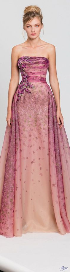 Spring 2017 Ready-to-Wear Tony Ward A fairytale dress Fashion 2017, Runway Fashion, Fashion Outfits, Couture Fashion, Beautiful Gowns, Pretty Dresses, Cool Outfits, Casual Outfits, Strapless Dress Formal