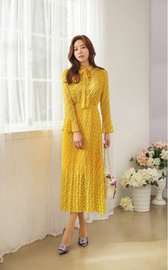 Korean Women`s Fashion Shopping Mall, Styleonme. Kpop Fashion, Modest Fashion, Korean Fashion, Fashion Dresses, Black Dress Outfits, Basic Outfits, Ladylike Style, Korean Dress, Chiffon Gown