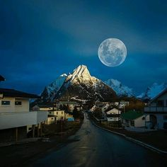 Full Moon in Reine Norway : @kyrenian #crossfit #crossfitgirls #crossfitgames #bodybuilding #bodybuildingmotivation #bodybuildinglifestyle #lift #weights #yoga #yogagram #yogapose #running #run #runner #instarun #instarunners #fit #fitness #fitstagram #fitfam #fitspiration #workout #wotd #wod #instafit #exercise #photooftheday #me #fashion #style #Landscapes #Landscapephotography #Nature #Travel #photography #pictureoftheday #photooftheday #photooftheweek #trending #trendingnow #picoftheday…