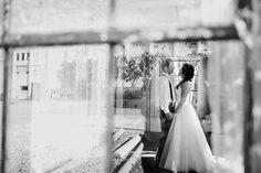 A Sunday Kinda Love ~ brunch morning Weddingeditorial, Sneak Peek of bride and groom