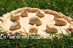 Couve de Crest.Cette recette de gâteau sablé, d'origine provençale, date du début du XVIII siècle. Il était confectionné traditionnellement pour le dimanche des rameaux. La légende raconte qu'elle aurait inspiré la recette du suisse de Valence. Le nom de ce dessert vient du nid qu'il symbolise avec la poule au centre et les oeufs (ou poussins) autour.