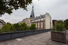 Created in 1988 and inaugurated in 1993, the Coulée Verte René-Dumont (aka the Promenade Plantée) is one of Paris' most unusual bucolic havens.