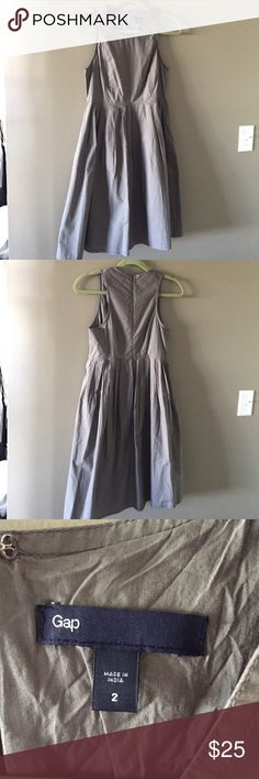 Grey gap dress (with pockets!) *make me an offer* Comfy everyday midi length dress! Super functional with pockets! Make me an offer! GAP Dresses