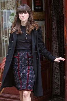 Casual top, patterned pencil skirt