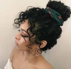 Amazing Curly Hairstyles Ideas For Teenage Women Girls with long curly hairs . Amazing Curly Hairstyles Ideas For Teenage Women Girls with long curly hairstyles are the envy of a lot of other females. Most of the famous Hollywood and , Curly Hair Updo, Haircuts For Curly Hair, Curly Hair Tips, Easy Hairstyles, Hairstyles Pictures, Hairstyles 2018, Black Hairstyles, Naturally Curly Hairstyles, Long Curly Hairstyles