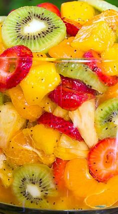 Tropical fruit salad - Best Ever Tropical Fruit Salad Recipe ~ The Dressing is Truly Magical The Combination of Citrus Juices with Honey are added with a Touch of Nuttiness and Zestiness to Kick it up a Notch Tropical Fruit Salad, Fresh Fruit Salad, Healthy Snacks, Healthy Recipes, Fruit Salad Recipes, Creamy Fruit Salads, Fruit Dishes, Summer Salads, Summer Fruit