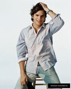 Ashton Kutcher - Ashton Kutcher Photo (30804559) - Fanpop fanclubs