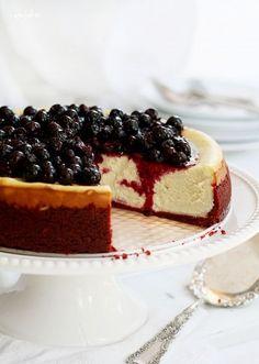New York Cheesecake with Red Velvet Crust - i am baker