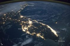 Rev Alex Shaw Shares: Here's Florida at night seen by astronauts aboard the @Space_Station: http://1.usa.gov/1EWKwAg  IT MUST BE AWESOME TO SEE THIS FROM GOD'S PERSPECTIVE...LOVE IT.