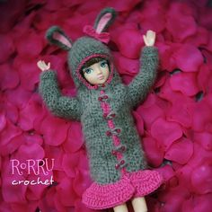 Horrraaayyy!!!! Laying on rose petals ^^... #crochetoutfit #crochet #crochetaddict #instacrochet #dollsweater #dolloutfit #outfit #doll #kuhrn #kuhrndoll #boneka #rajutan #rajut #hoody #bunny #Padgram