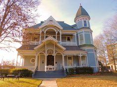 Roland Jones House: 1890's Queen Anne Victorian house - Nacogdoches, TX (architect: Diedrich Wilheim Rulfs)