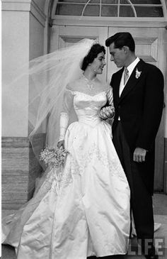 Elizabeth Taylor wedding, Nicky Hilton 1950, gown designed by Helen Rose http://www.pinterest.com/henryodin327/famous-weddings/