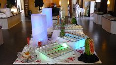 #TUI #Robinsonclub #Marioschiller #Foodporn #Smilejob #smilestory Robinson Club, Food Presentation, Finger Foods, Buffet, Food Porn, Table Decorations, Home Decor, Decoration Home, Room Decor