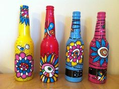 DIY painting glass jars and bottles tutorial step by step with pictures. DIY jar painting crafts ideas with glass paints and acrylic paints Painting Glass Jars, Painted Glass Bottles, Glass Painting Designs, Glass Bottle Crafts, Wine Bottle Art, Painted Jars, Bottle Painting, Diy Painting, Beer Bottles