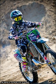 Love watching motorcross. Please check out my website thanks. www.photopix.co.nz