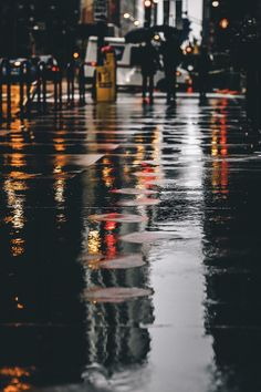 Discovered by @aloverthatneverhides. Find images and videos on We Heart It - the app to get lost in what you love. Rainy Wallpaper, Beach Wallpaper, Wallpaper Backgrounds, Rain Photography, Street Photography, Landscape Photography, City Rain, City Aesthetic, Jolie Photo