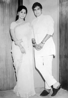 Indian Actresses, Actors & Actresses, Rajesh Khanna, Bollywood Pictures, Celebrity Stars, Vintage Bollywood, Classic Style, Retro Style, Bollywood Actors