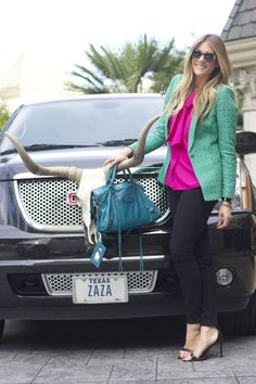 Devon Rachel: I love the color combo! Green blazer + magenta/pink blouse + teal handbag