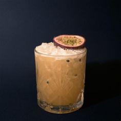 Mambo Jack 3 cl Jack Daniel's 3 cl Liqueur 43 12 cl Pineapple Juice … – Tables and desk ideas Bar Drinks, Yummy Drinks, Yummy Food, Jack Daniels, Fun Cocktails, Cocktail Drinks, Drink Table, Liqueur, Pineapple Juice