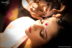 Bengali Bride getting prepared for her Wedding