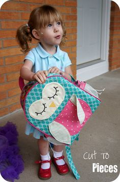 Moda Bake Shop: SLICED Tutorial: Owl Tag Along Toddler BackpackThis is so stinkin cute I have 1 grand daughters 1 Niece starting school this year guess what they're getting yep you got it this wonderful Pack but I think I'll let their moms pikc the fgrik