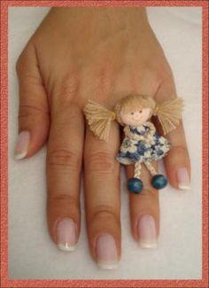 anillo muñecas miniatura anillo con muñeca miniaturas cordon,piel de angel,pintura tela pintura tela,costura manual