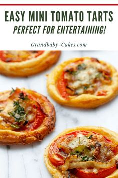 This Easy Tomato Tart Recipe on Puff Pastry add tender caramelized onions, fresh. - This Easy Tomato Tart Recipe on Puff Pastry add tender caramelized onions, fresh tomato and spiced - Tomato Tart Puff Pastry, Tomato Tart Recipe, Puff Recipe, Tapas Recipes, Appetizer Recipes, Cooking Recipes, Puff Pastry Appetizers, Puff Pastry Recipes, Butter Crust