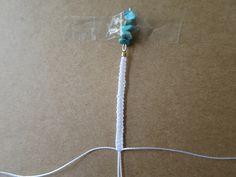 【ミサンガブレスの作り方】初心者でも簡単!平編みの編み方 | Hatorich Beads, Bracelets, Handmade, Make Jewelry, Woven Bracelets, Bestfriends, Knots, Tejidos, Flowers