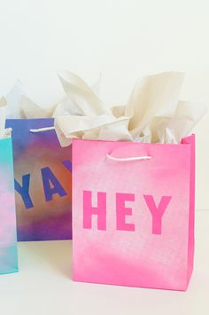 DIY: Bolsas de regalo pintadas con spray | Servicolor