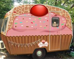 Cupcake Camper i love cupcakes and i love camping Old Campers, Little Campers, Retro Campers, Vintage Campers, Vintage Rv, Tiny Trailers, Camper Trailers, Retro Trailers, Vintage Caravans