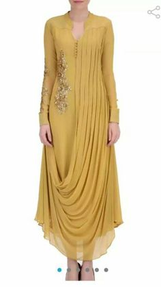 Cool look Indian Designer Outfits, Indian Outfits, Designer Dresses, Indian Gowns Dresses, Pakistani Dresses, Evening Dresses, Kurta Designs, Blouse Designs, Hijab Fashion