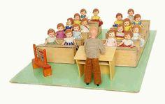 German doll school with ARI (August Riedeler) dolls, ca. 1950s, 33 x 46 x 15 cm