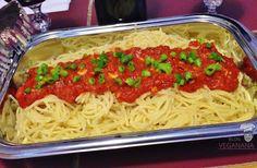Macarrão com Molho de Tomates e Alho - Veganana