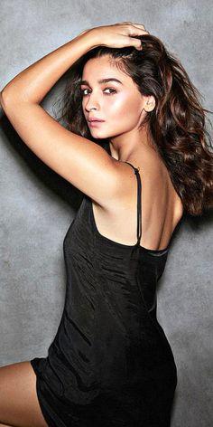 Bollywood Couples, Bollywood Actress Hot Photos, Indian Actress Hot Pics, Indian Bollywood Actress, Beautiful Bollywood Actress, Most Beautiful Indian Actress, Beautiful Actresses, Indian Actresses, Indian Celebrities