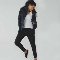 Lululemon Jet Crop Slim Size 12 Black. NWT Lululemon Jet Crop Slim Size 12 Black. NWT ❌❌TRADE❌❌ lululemon athletica Pants Ankle & Cropped