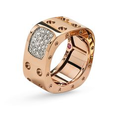 Pois Moi ring in 18kt rose gold with diamonds.