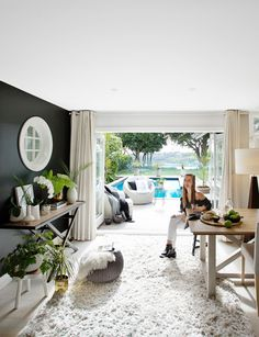 A grand Remuera home is filled with soothing tones and lots of texture