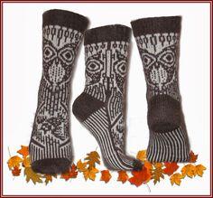 Tante er Fortsatt Gal! – 15 LEKRE JULEGAVE TIPS - NORSKE OG GRATIS STRIKKEOPPSKRIFTER Fair Isle Knitting, Knitting Socks, Free Knitting, Knitting Patterns, Crochet Patterns, Knit Socks, Pixel Crochet, Knit Or Crochet, Knitting Projects