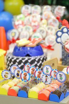 Docinhos com TAGs da Patrulha Canina. 4th Birthday, Birthday Cake, Paw Patrol Party, Candy, Sweet, Kids, Marshall, Kid Parties, Victor Hugo