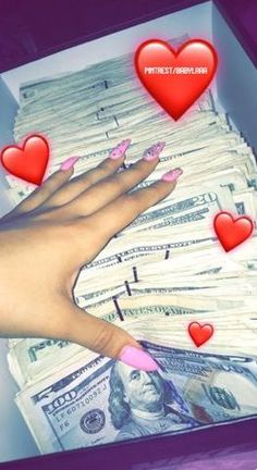 Hoe tips ~ school Images Esthétiques, Money On My Mind, Mo Money, Money Girl, Gangster Girl, Money Stacks, Rich Lifestyle, Lifestyle Fashion, Luxury Lifestyle