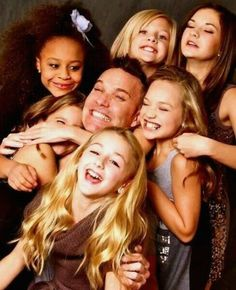 dance moms my freind got me into this Watch Dance Moms, Dance Moms Girls, Mom Tv Show, Dance Mums, Dance Company, Great Tv Shows, These Girls, Pretty Little Liars, Favorite Tv Shows