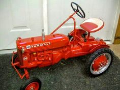 FARMALL Cub Pedal Tractor Pedal Tractor, Pedal Cars, John Deere Decals, Homemade Tractor, John Deere Equipment, Farmall Tractors, Tractor Pulling, Antique Tractors, Farm Toys