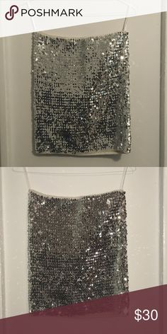 Sequin Top Sequin Silver Top. It can be wear like skirt VILA Tops