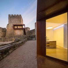 PORTUGAL - POMBAL COMOCO ARQUITECTOS Pombal's Castle Visitor Centre. Portugal
