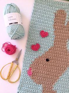 Easter Wall Hanger by Bea Easter Crochet, Crochet Baby, Knit Crochet, Crochet Wall Hangings, Tapestry Crochet, Crochet Blocks, Crochet Patterns, Easter Specials, Beautiful Crochet